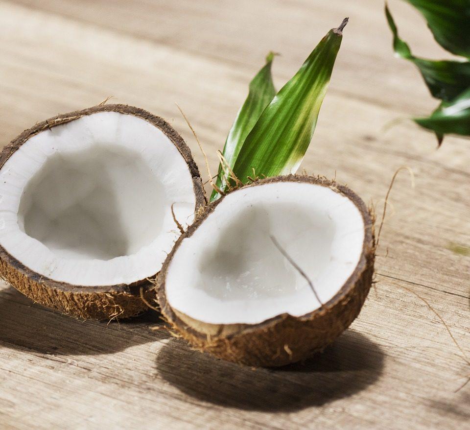 Waarom je geen kokosolie wilt gebruiken in je haar