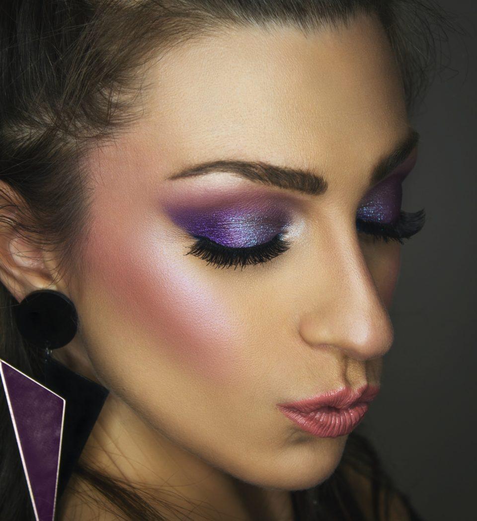 De paarse oogschaduw-trend is hot: durf jij het aan?
