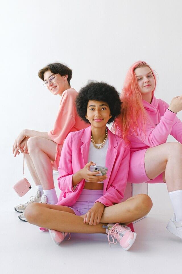 Roze outfits voor Internationale Vrouwendag