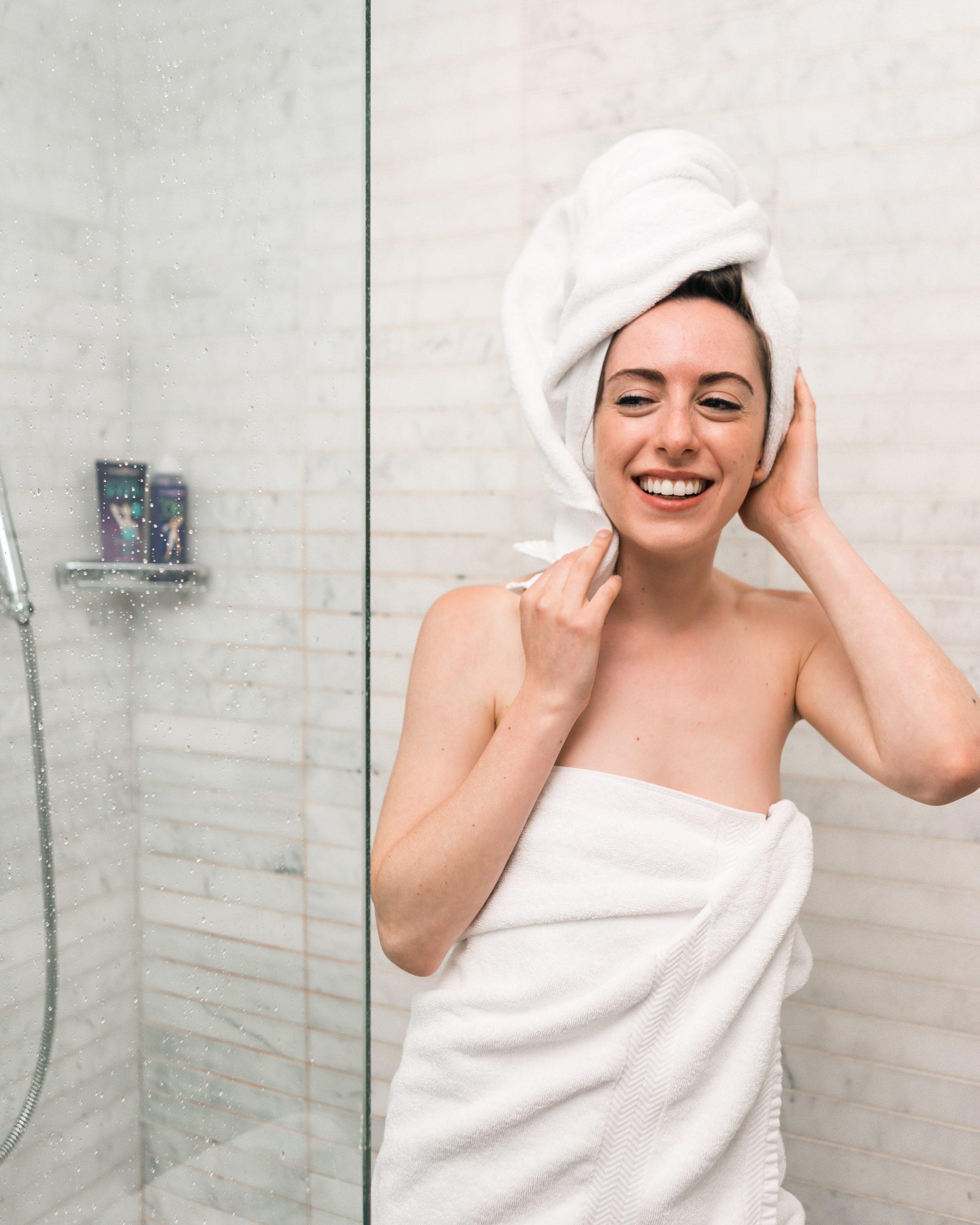 Alles wat je moet weten over haarbeschadiging door hard water