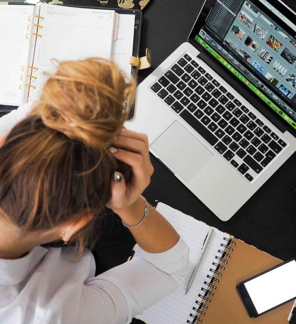 Dit is de invloed van stress op je haar