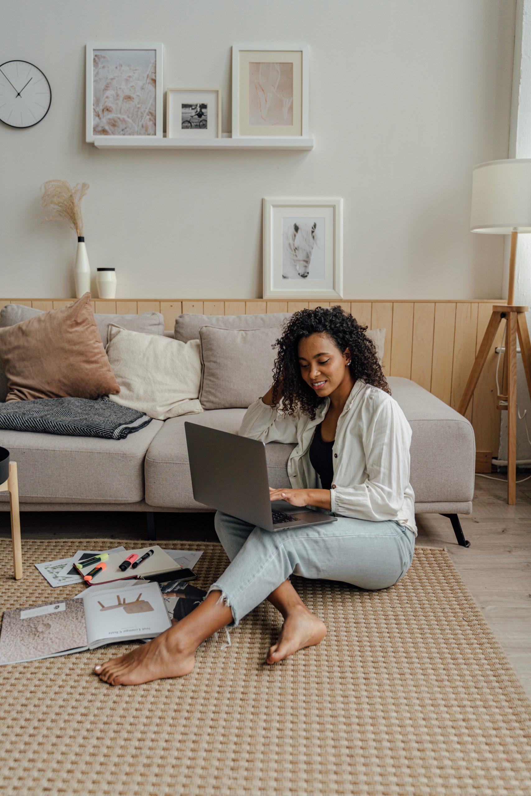 5x tips voor een goede houding tijdens het thuiswerken