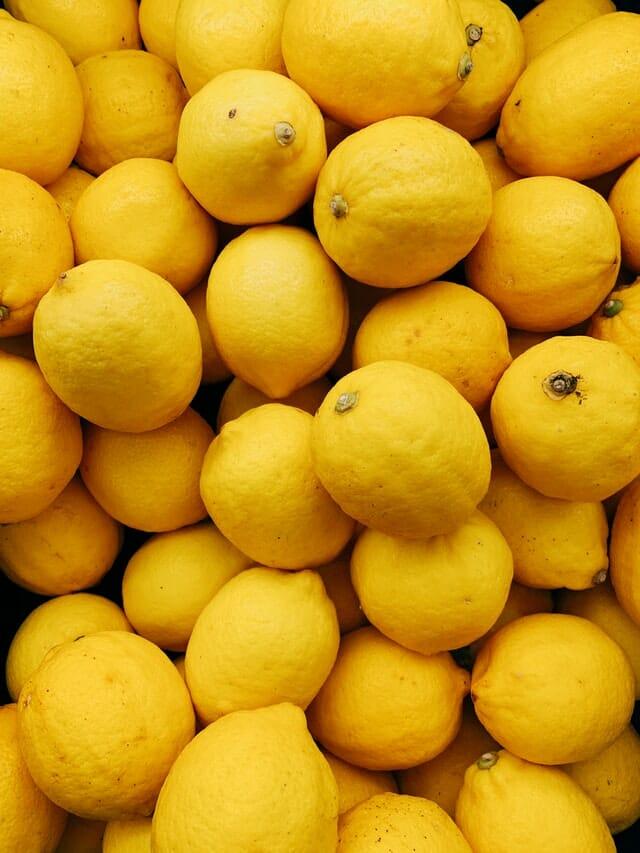 Je haar bleken met citroen: hoe schadelijk is het?